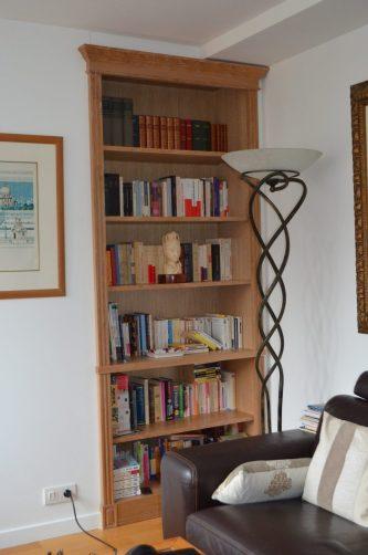 Bibliothèque en latté chêne - Finition céruse blanc mat